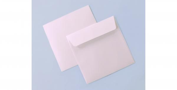 Umschlag perlmuttweiß schimmernd für quadratische Karten